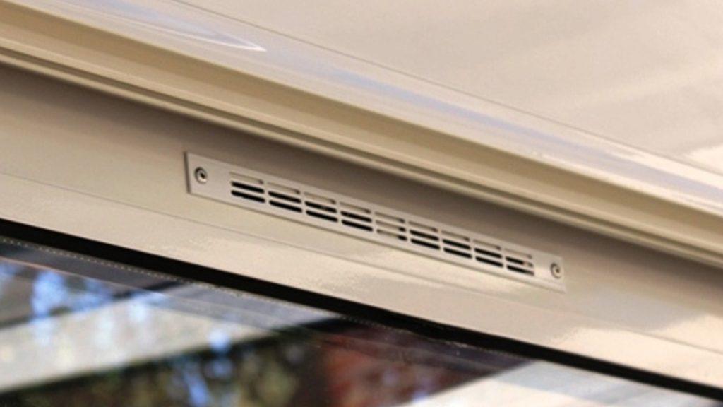 Faire des grilles de ventilations dans les fenetres, comment faire ?